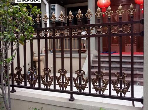 铝艺庭院栅栏