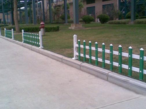 草坪护栏厂家