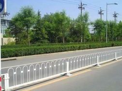 道路中央护栏